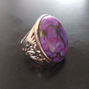 Size 6 Bold Statement Ring NWOT